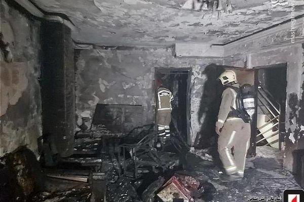 فوری/ آتش سوزی گسترده در خیابان ولیعصر تهران | عکس آتش سوزی